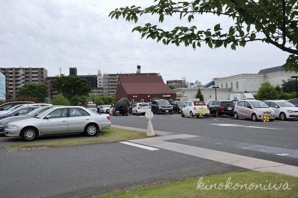 横浜イングリッシュガーデンの駐車場